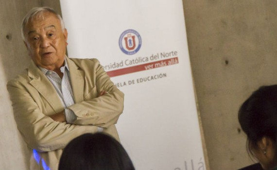 Coloquio de Educación abordó la ausencia de la Geología en el sistema escolar chileno