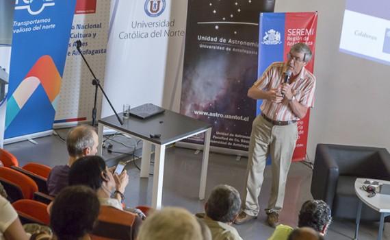 Congreso del Futuro: Físico británico se refirió al origen de la vida y a la vida extraterrestre