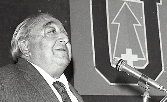 Homenaje y tertulia en honor a Andrés Sabella en la UCN