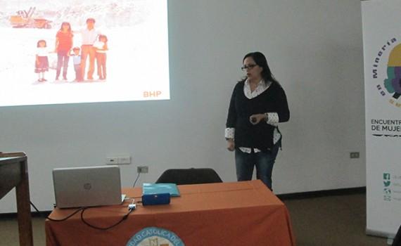 Estudiantes de carreras mineras conocen experiencia femenina en el rubro
