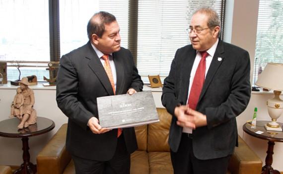 Educación y migración fueron abordados en encuentro con nuevo Cónsul de Colombia en Antofagasta