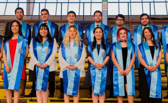 Periodistas, psicólogos y profesores de inglés, recibieron títulos profesionales