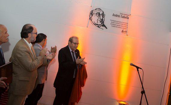 Noche mágica marcó el regreso formal de Andrés Sabella a su Universidad