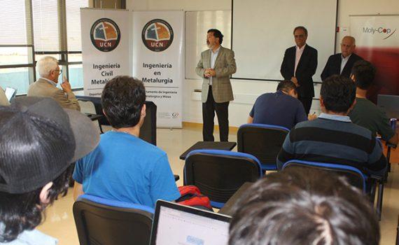 Profesionales formados en la UCN actualizaron conocimientos en curso de Moly-Cop Chile