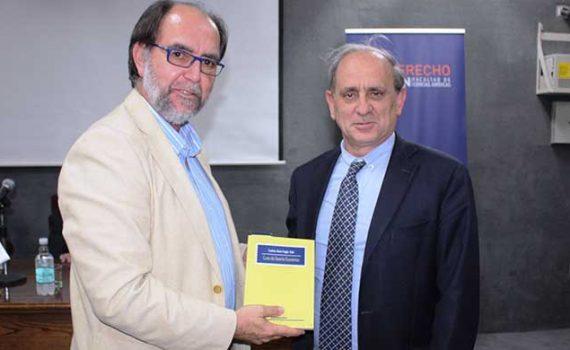 """Presentan tercera versión del Libro """"Curso de Derecho Económico"""""""