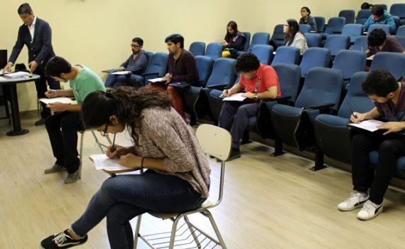 176 médicos rindieron EUNACOM en Facultad de Medicina