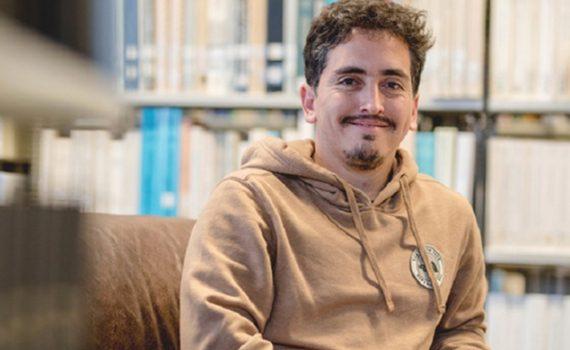 El chileno que llegó a la revista Nature con sus estudios sobre agujeros negros