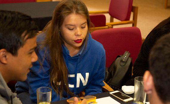 Estudiantes y docentes trabajaron en rediseño de la Encuesta Docente