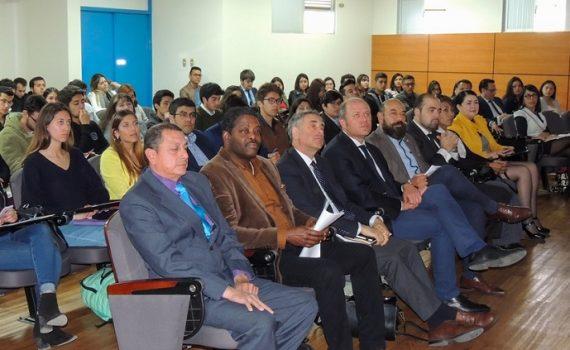 Abogados y fiscales visibilizan la criminalización de la migración durante encuentro en la UCN