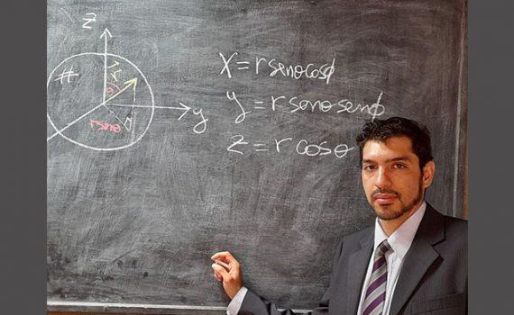 UCN presenta al primer doctor en Física formado en un programa acreditado del norte de Chile